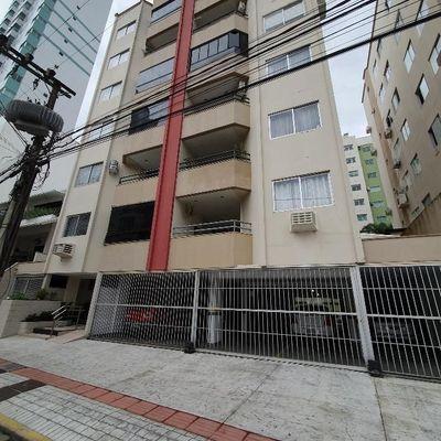 Apartamento à Venda Res. ATLANTA com 2 Quartos, sendo 1 Suíte, Vaga, Mobília Linda em Balneário Camboriú SC