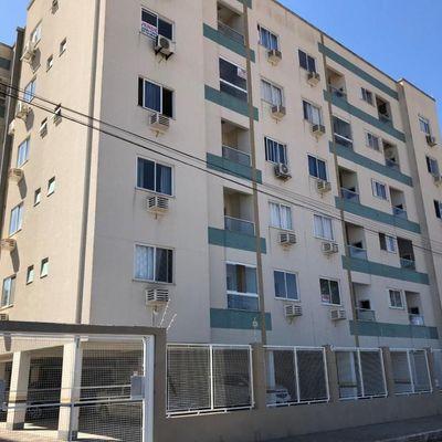 Apartamento a Venda Semi Mobiliado com 2 Quartos e 1 Vaga, Sacada com churrasqueira a 3 Km. da Praia de Balneário Camboriú SC