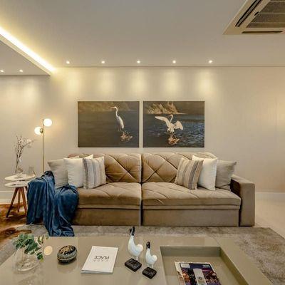 Ed. Torremolinos, Lindo imóvel na quadra mar, 3 Suítes mobiliado e decorado, com 3 vagas de garagem e área de lazer completa.