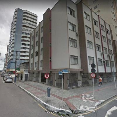 Apartamento a Venda no Centro de Balneário Camboriú, 2 Quartos, Vaga Numerada