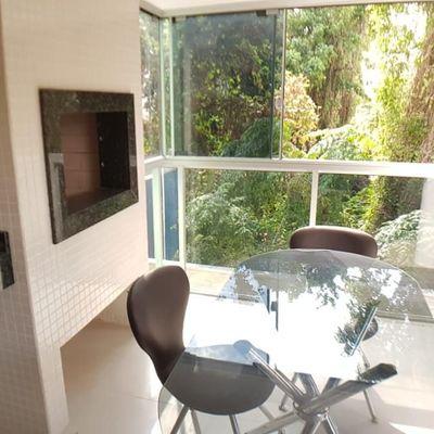 Apartamento Reformado 1 Suíte + 1 Dormitório e Vaga Privativa com Churrasqueira a Carvão