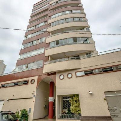 Apartamento para venda Res. JENSEN possui 118 metros quadrados com 3 quartos em Centro - Balneário Camboriú - SC