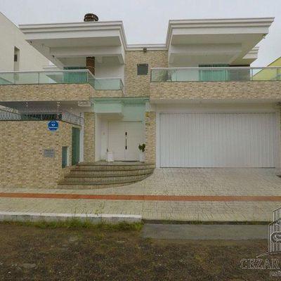 Casa para Venda em Balneário Camboriú, Centro, 3 dormitórios, 1 suíte, 2 banheiros, 2 vagas