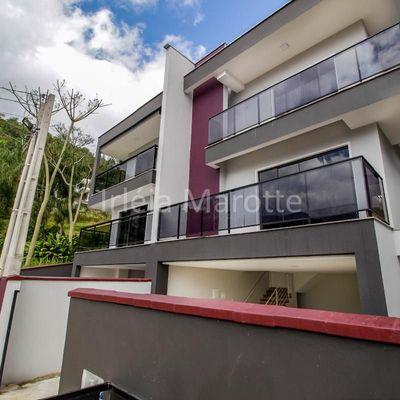 Casa Geminada na Barra do Rio Molha à venda em Jaraguá do Sul Próximo à Prefeitura