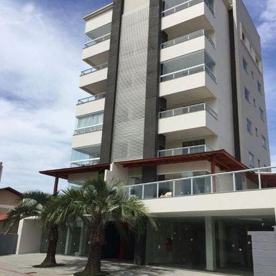 Apartamento mobiliado em Barra Velha à venda, a 280 m do mar