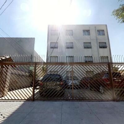 Apartamento de dois dormitórios na Vila Monumento