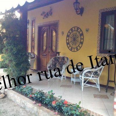 Linda casa rua fechada Itaipu 3 quartos lazer piscina anexo para hóspede e aceita permuta por apto em Icaraí