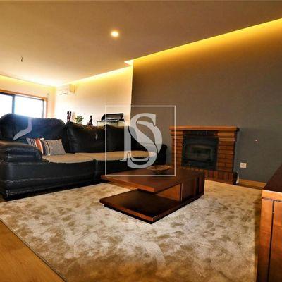 BRAGA- PORTUGAL - T3 - Apartamento reformado 3 quartos suite garagem
