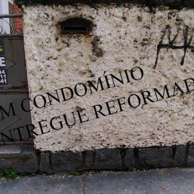 RARIDADE - APARTAMENTO TÉRREO NO MIOLO DE ICARAÍ - TODO REFORMADO