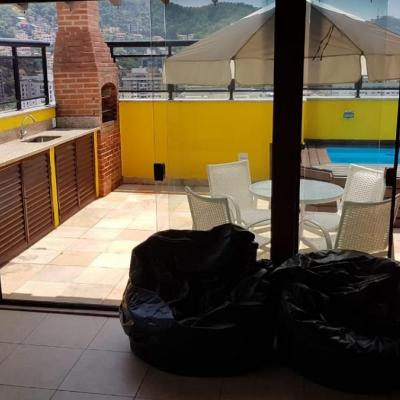 Cobertura duplex Santa Rosa reformada vista livre 2 salas 2 quartos vaga lazer