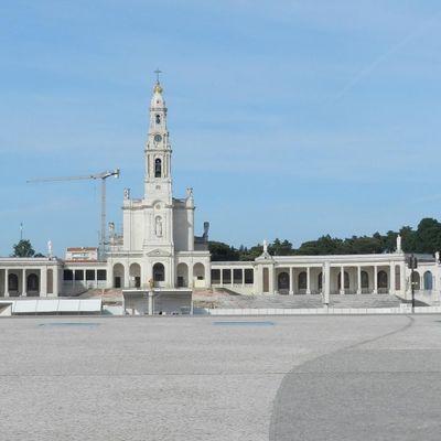 FÁTIMA - PORTUGAL - A CIDADE SAGRADA