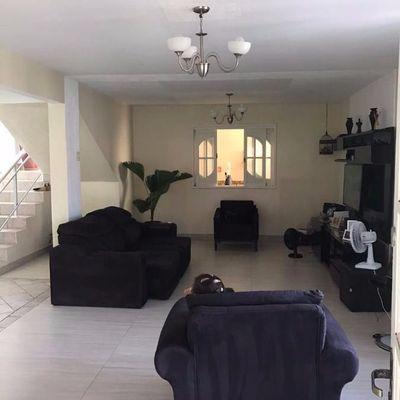 Linda casa de condomínio em Pendotiba