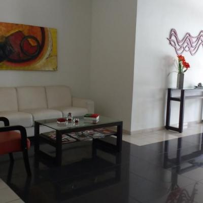 Apartamento de 2 quartos com dependência em Santa Rosa