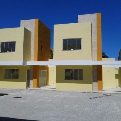 Condomínio em Itaipu - casas com 3 qts sendo 2 suítes
