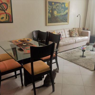 Bom apartamento miolo de Icaraí 2 quartos suite 1 vaga