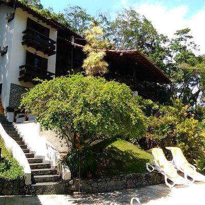Linda casa em condomínio na Região Oceância