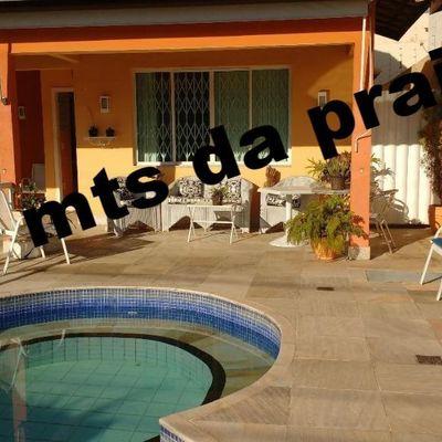 Linda residência alguns metros da praia Piratininga 4 quartos 3 suites 4 vagas lazer