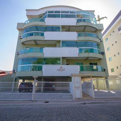 Apto 2 dormitórios na praia de Bombas Bombinhas SC
