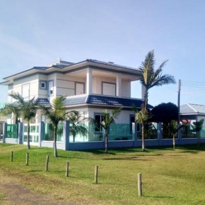 Casa para Venda em Arroio do Sal, Balneário Pérola, 3 dormitórios, 3 suítes, 5 banheiros, 4 vagas