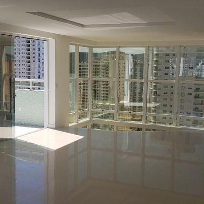 Cobertura Duplex no Edifício Residencial Evely Balneário Camboriú