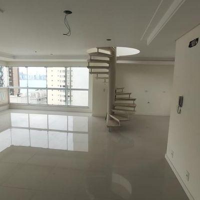 Apartamento Cobertura Duplex no Edifício Palma de Mallorca em Balneário Camboriú - BARRA SUL