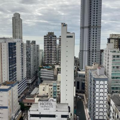 Cobertura no Edifício Casa de Urano - entre as Avenida Central e Brasil - Centro - Balneário Camboriú