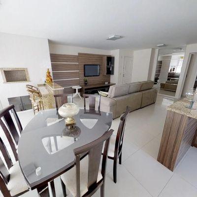 Apartamento com terraço e Piscina privativa, 700 metros da Beira Mar de Balneário Camboriú