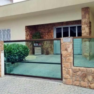 Casa com 03 Suítes. centro de Camboriú