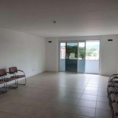 Sala nova para escritório no Jaraguá Esquerdo