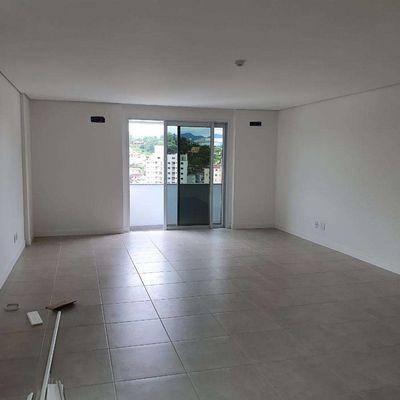 Sala para escritório em condomínio no Jaraguá Esquerdo