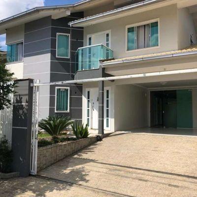 Casa semimobiliada no bairro Vila Lalau