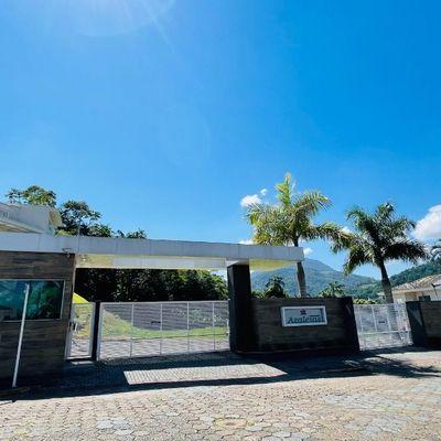 Terreno em condomínio fechado no Jaraguá Esquerdo