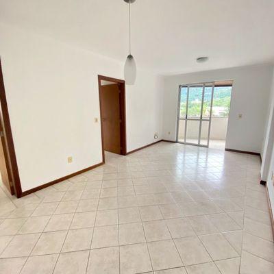 Apartamento com 01 suíte + 01 dormitório no Centro de Jaraguá do Sul.