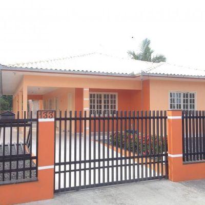 Casa com 03 quartos em Guaramirim