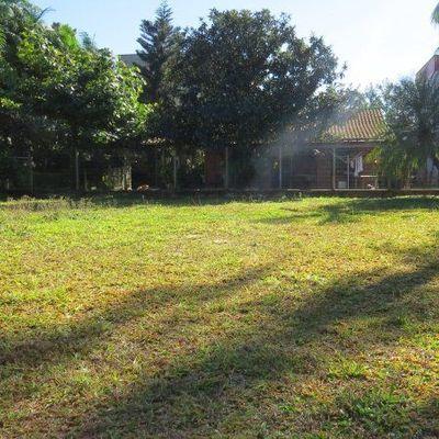 Terreno com 355,33 m² próximo da Universidade Católica - Água Verde