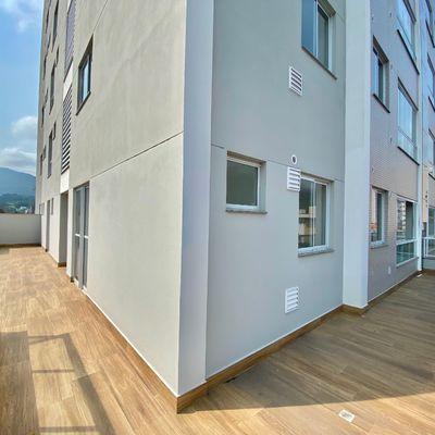 Apartamento Novo no Centro com Terraço