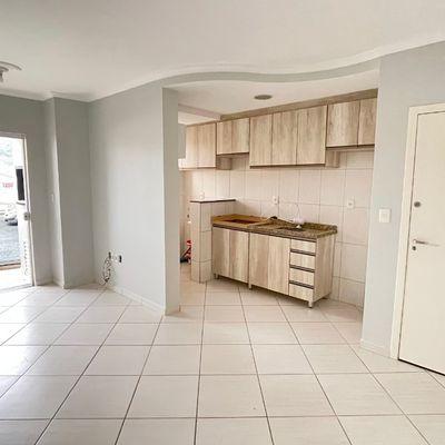 Apartamento semi mobiliado com 02 quartos no João Pessoa