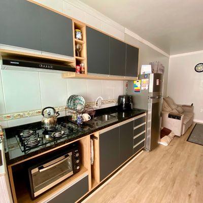 Apartamento com 02 quartos e semimobiliado no bairro Baependi!