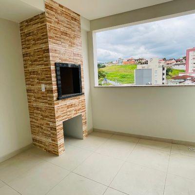 Apartamento com 03 quartos no Jaraguá Esquerdo