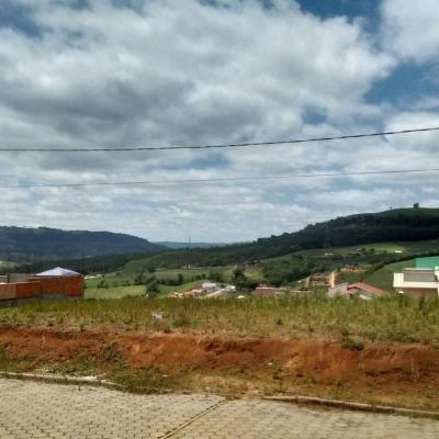 Terreno no Loteamento Paulo Tonet
