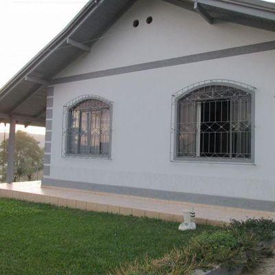 Casa de Alvenaria + Apartamento