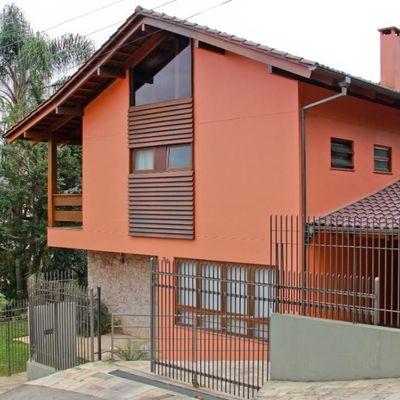 CASA DE ALVENARIA - COM 270 M² DE ÁREA CONSTRUÍDA
