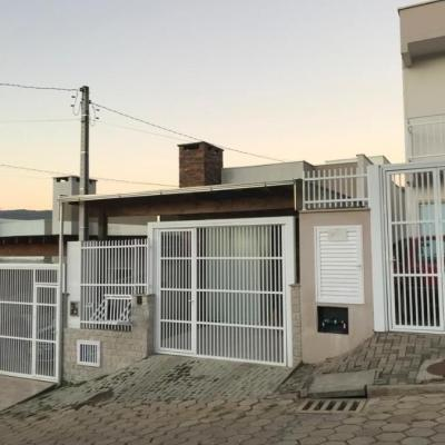 CASA  GEMINADA - BAIRRO FUNDO CANOAS