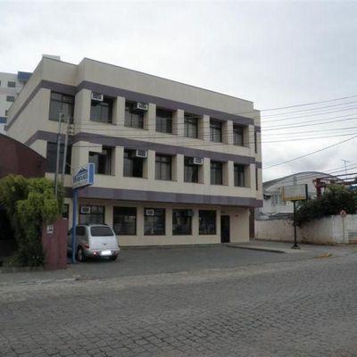 Edificação Comercial e Residencial