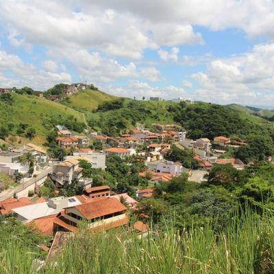 Lote de terra / Terreno com 1.000 m² em declive moderado com vista livre - Rua Agenor da Rocha, Bairro de Fátima, Barra Mansa - RJ