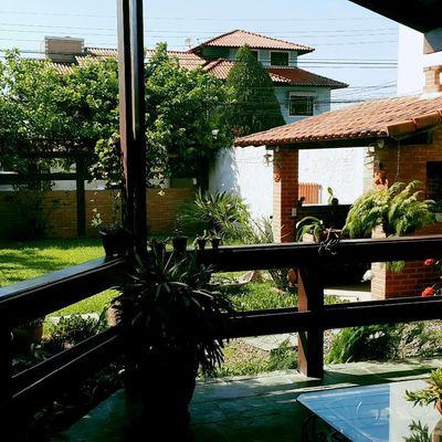 Casa Itaipu estilo campo madeira e alvenaria 3 quartos 2 vagas churrasqueira