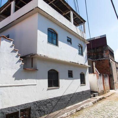 Apartamento duplex com terraço composto de Sala, 2 quartos, banheiro social - Rua João Chiesse, Estamparia, Barra Mansa - RJ