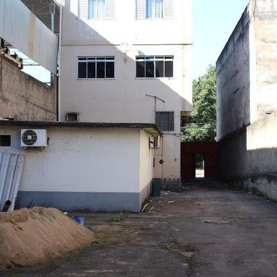 Galpão para Aluguel - Galpão 200 m² com área externa de 300 m² na Beira Rio - Avenida Almirante Adalberto de Barros Nunes, Retiro, Volta Redonda - RJ