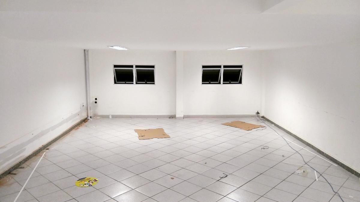 Loja com 150 m² no Miolo do Retiro - Avenida Sávio Cota de Almeida Gama,  Retiro, Volta Redonda - RJ   Imobiliária Volta Redonda bed5649154