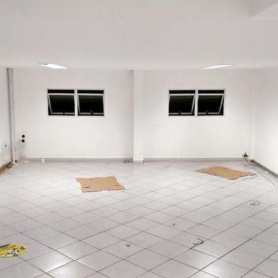 Loja com 150 m² no Miolo do Retiro - Avenida Sávio Cota de Almeida Gama, Retiro, Volta Redonda - RJ